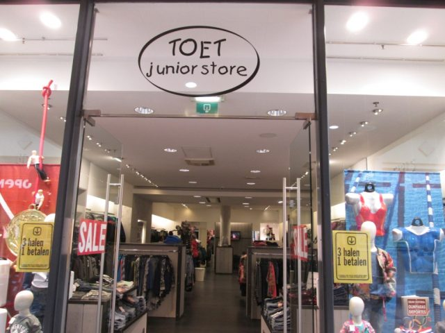 Toet Junior Store